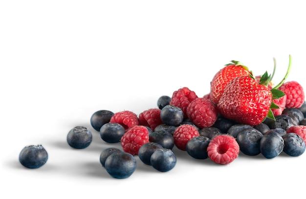 Frutos maduros frescos no fundo