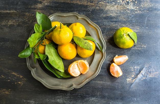 Frutos orgânicos frescos de tangerina