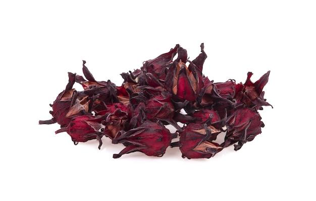 Frutos secos de hibisco vermelho sabdariffa isolados no fundo branco