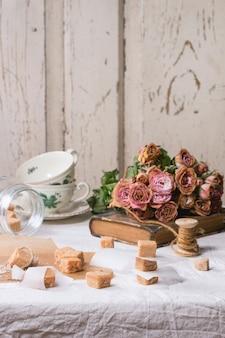Fudge doces na toalha de mesa