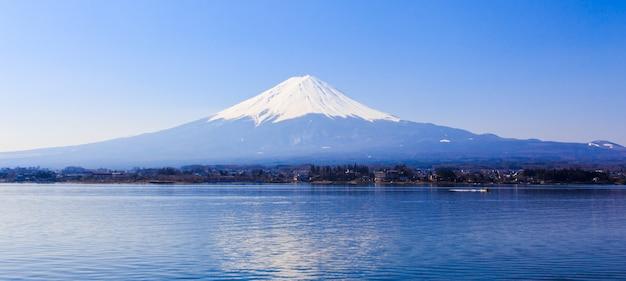 Fuji montanha com lago