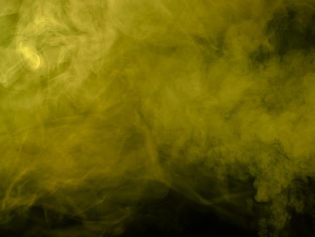 Fumaça amarela em fundo preto