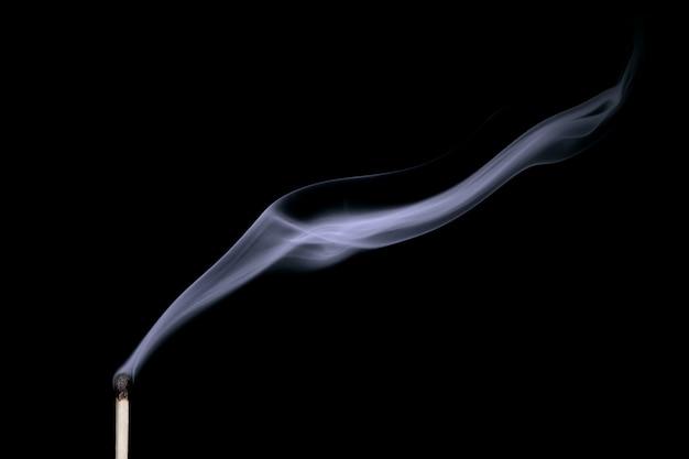 Fumaça de uma partida apagada