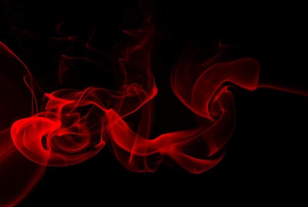 Fumaça vermelha em fundo preto, design de fogo