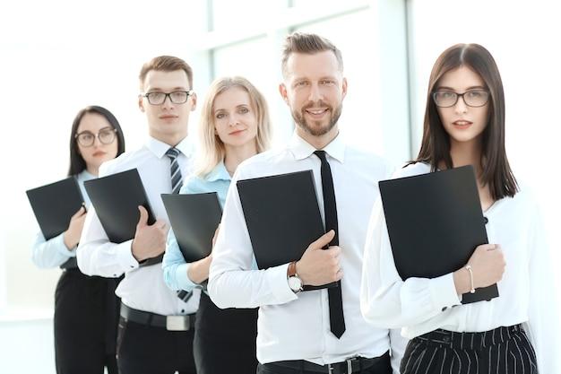 Funcionários na fila para uma entrevista