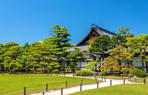 Fundamentos do castelo nijo em kyoto, japão