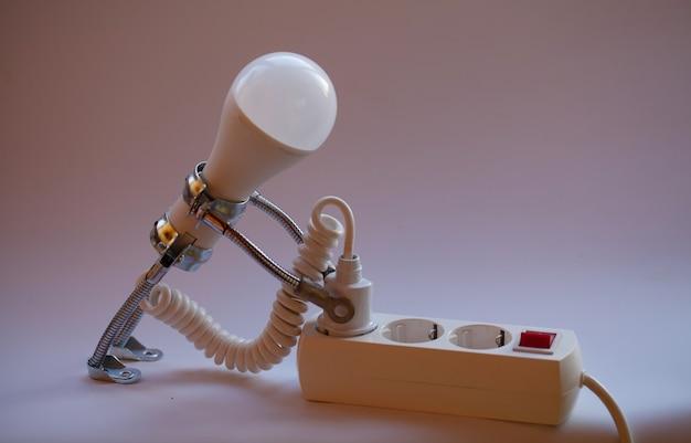 Fundo abstrato do conceito de ideias criativas da lâmpada
