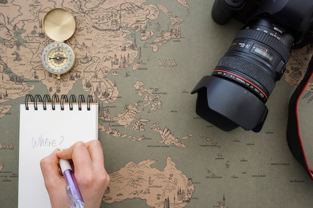 Fundo aventura com escrita da mão