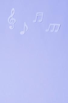 Fundo azul com notas musicais