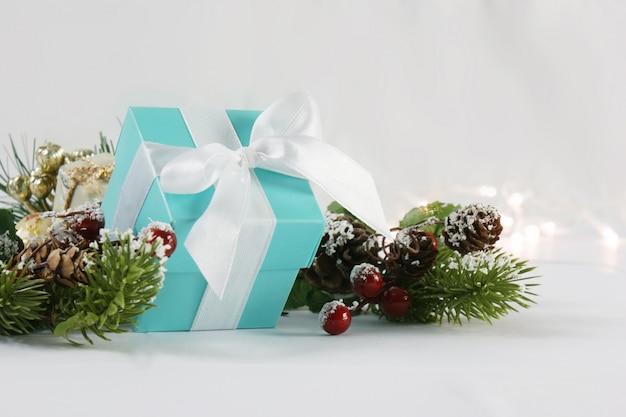 Fundo azul do presente de natal