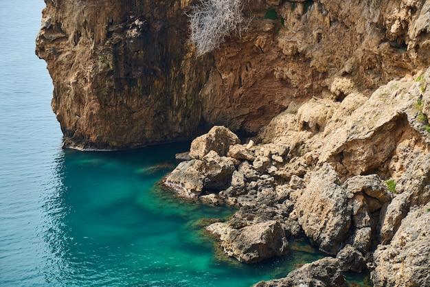 Fundo bonito do mar e rock