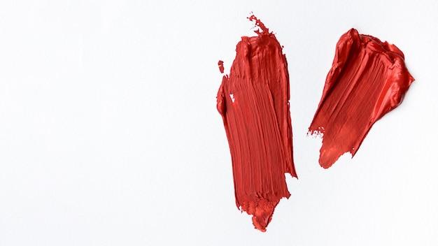 Fundo branco com traços vermelhos