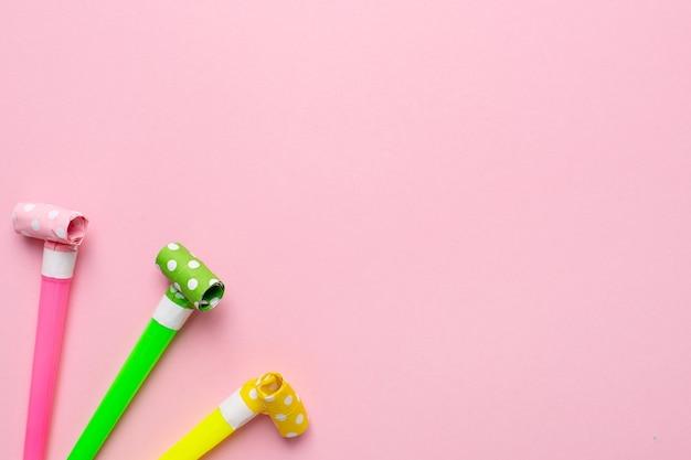 Fundo brilhante e festivo de cor rosa para um aniversário ou outro feriado