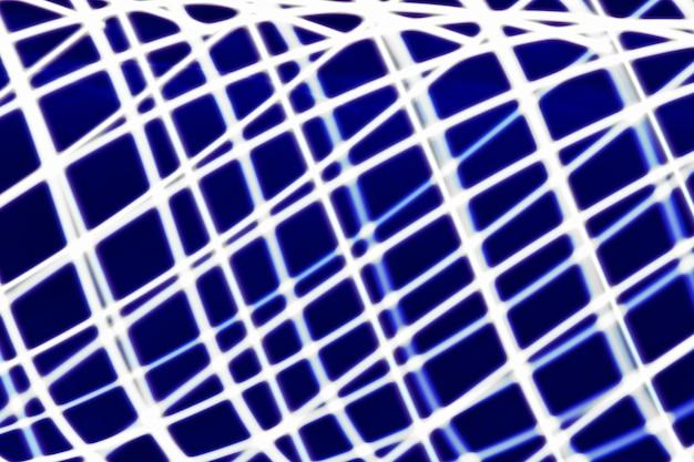 Fundo claro abstrato. luzes de trilha, faixas e bokeh azuis borrados