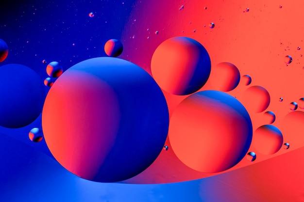 Fundo colorido abstrato com óleo na superfície da água