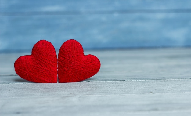 Fundo com coração de madeira, dia dos namorados