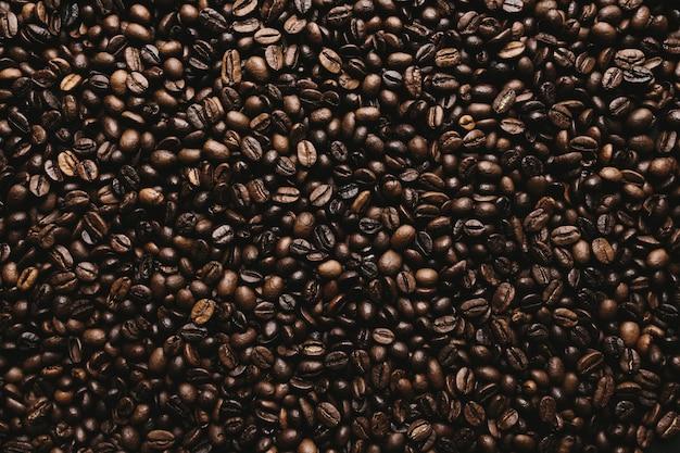 Fundo com matriz de grãos de café secos
