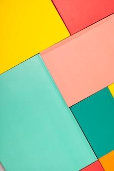 Fundo com tampas de livro coloridas vazias. maquete, copie o espaço. estudo, leitura, conceito de cultura