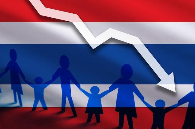 Fundo da bandeira da tailândia no gráfico de setas para baixo diminuição do número de estupros no país