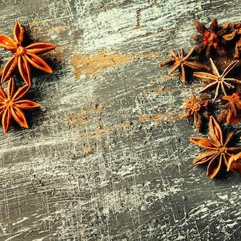 Fundo de alimentos com pilha de anis estrelado