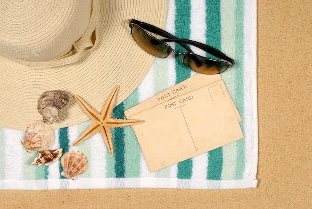 Fundo de beira-mar com estrela do mar e cartões postais