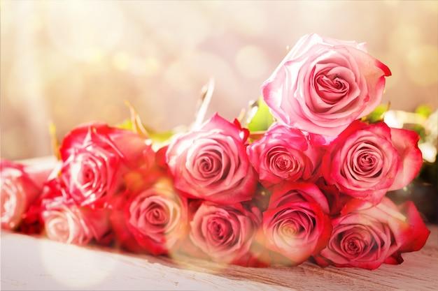 Fundo de buquê de flores lindas rosas cor de rosa