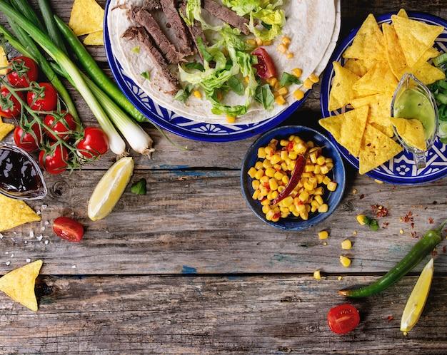 Fundo de comida com ingredientes de tortilla