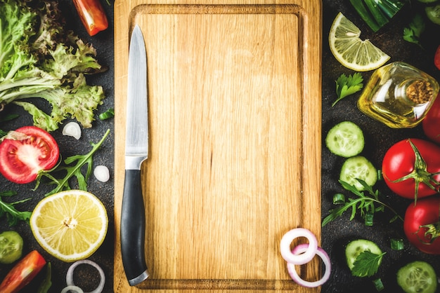 Fundo de cozinha, salada fresca ingredientes, cozinha italiana
