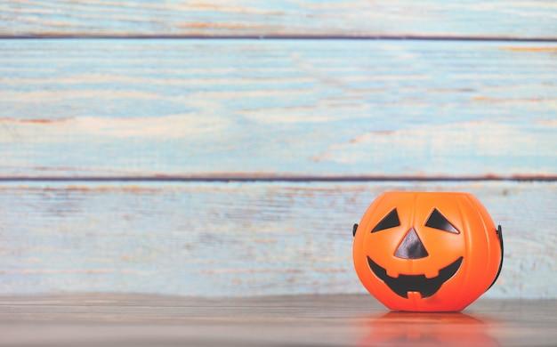 Fundo de dia das bruxas decorado conceito festivo de feriados - jack o lanterna de abóbora