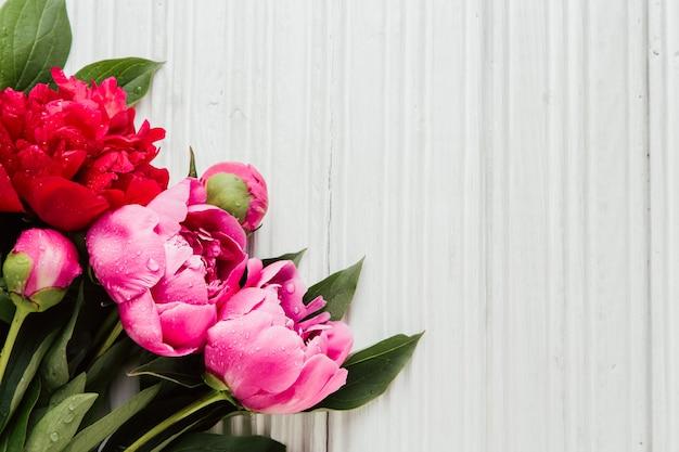Fundo de dia das mães com flores peônias