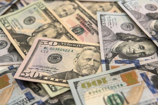 Fundo de dinheiro. notas de dólar em dinheiro. salvando fundo