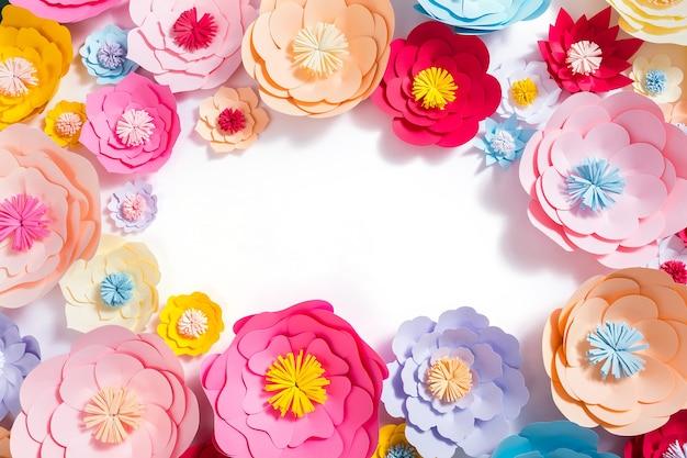 Fundo de flores coloridas de papel feito à mão
