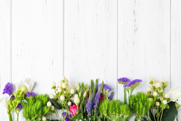 Fundo de flores de primavera com espaço de cópia