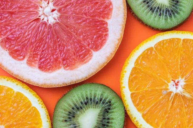 Fundo de frutas. citrinos padrão multicolorido brilhante.