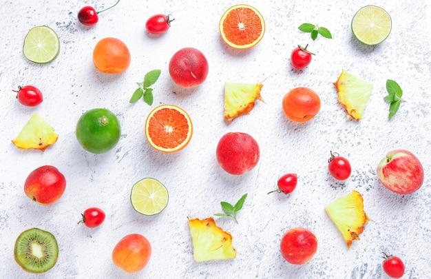 Fundo de frutas frescas no verão