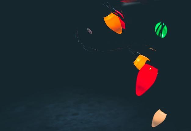 Fundo de luzes de natal pendurado