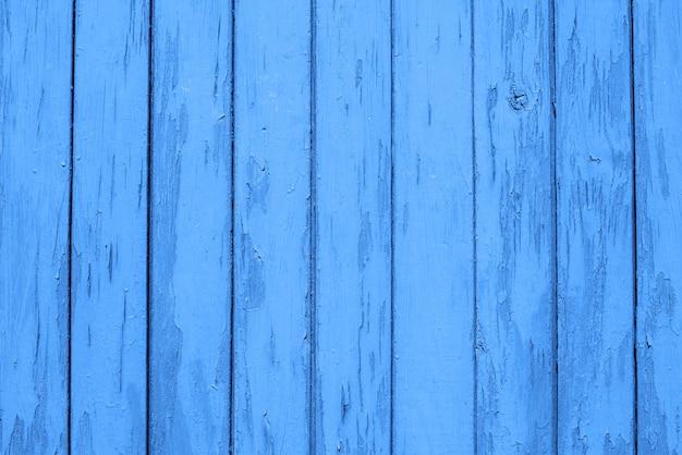 Fundo de madeira azul das placas, textura. copie o espaço. cor da tendência do ano 2020 classic blue