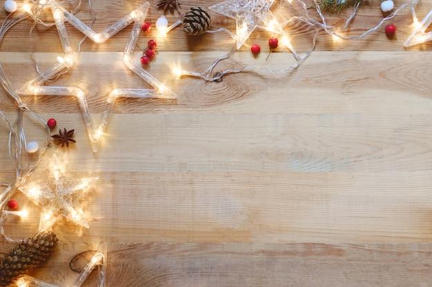 Fundo de madeira com decoração de natal