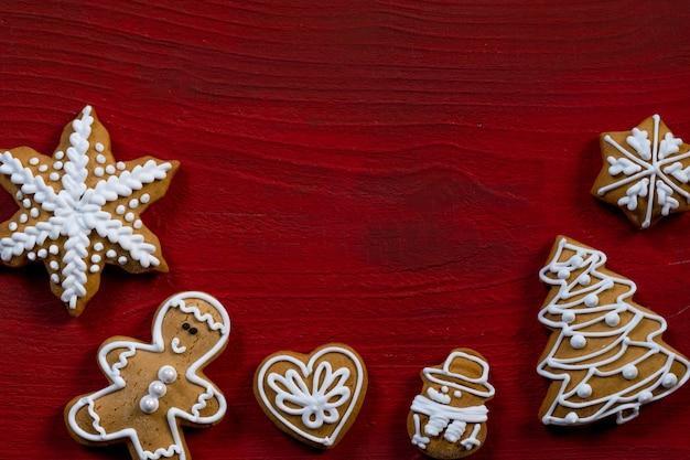 Fundo de madeira para presente de biscoito vermelho