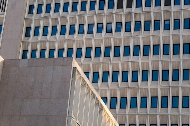 Fundo de material texturizado de concreto de edifícios windows