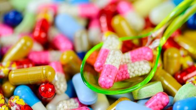 Fundo de medicação oral colorido.