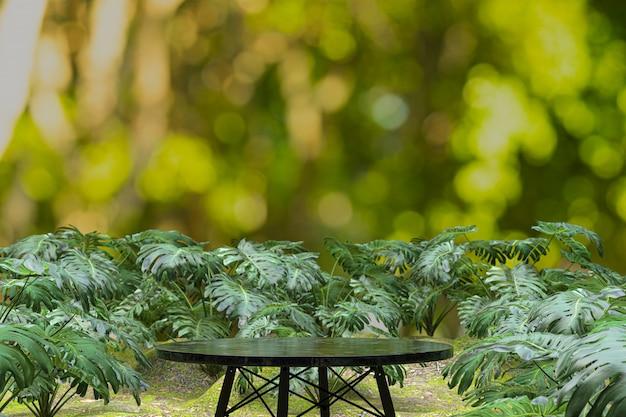 Fundo de mesa de madeira vazia na cafeteria, mesa para exposição do produto