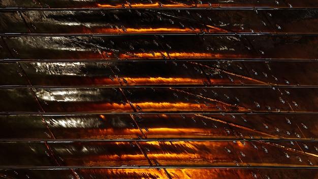 Fundo de metal com listra amarela escura