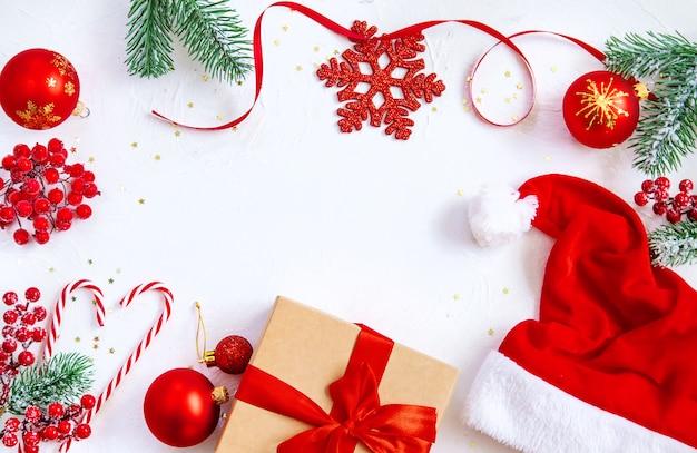 Fundo de natal com uma bela decoração. foco seletivo.
