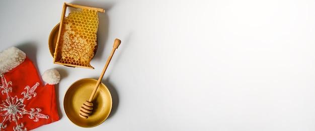 Fundo de natal e ano novo para apicultura. vista do topo. postura plana