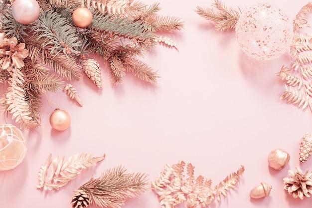 Fundo de natal moderno e bonito nas cores rosa e dourado