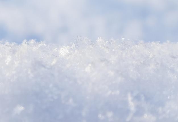 Fundo de neve fresca, textura de neve de fundo natural em tom azul