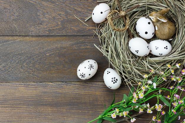 Fundo de páscoa. feliz páscoa ovos de dor.