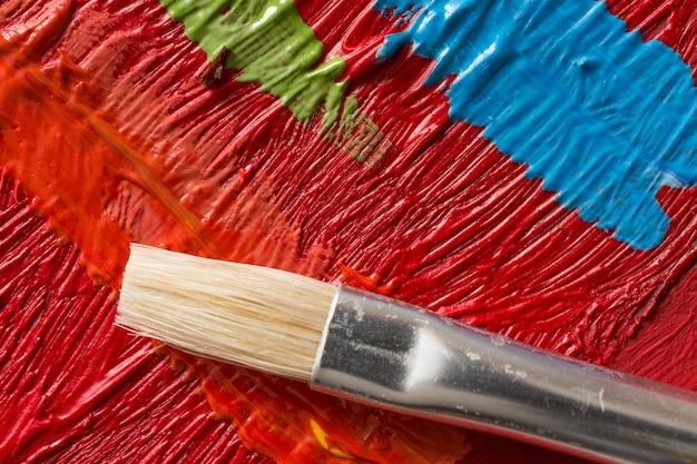 Fundo de pintura abstrata com pincel