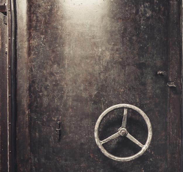 Fundo de porta de metal riscado